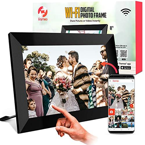 WiFi 1080p HD Digitaler Bilderrahmen 8 Zoll mit Free App, Bilder und Videos sofort teilen, Persönliche Bildunterschriften, Mehrere Benutzer, 40.000 Bilder Kapazität, Einfache Einrichtung, ZOOMZO