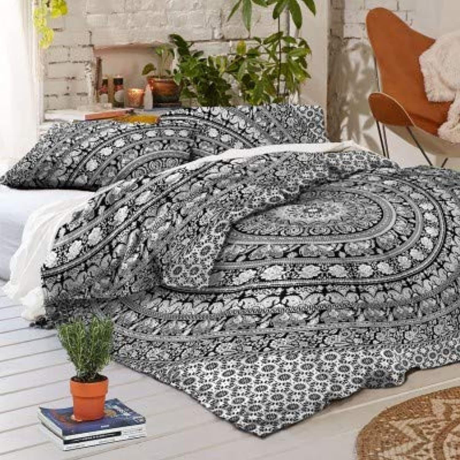 Heyrumbh Handicrafts Tapestry Flower Elephant Mandala Bohemian Reversible Cotton Duvet Cover  Indian Handmade Doona Quilt with 2 Pillow Covers (Black and White, 82 X 92 Inches)