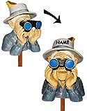 Unbekannt Jäger / Opa mit Hut, Vogel & Fernglas - als  Spanner am Gartenzaun  - incl. Namen - aus Kunstharz - große XL Figur - Gartenzwerg / Gartendeko Garten - Nachb..