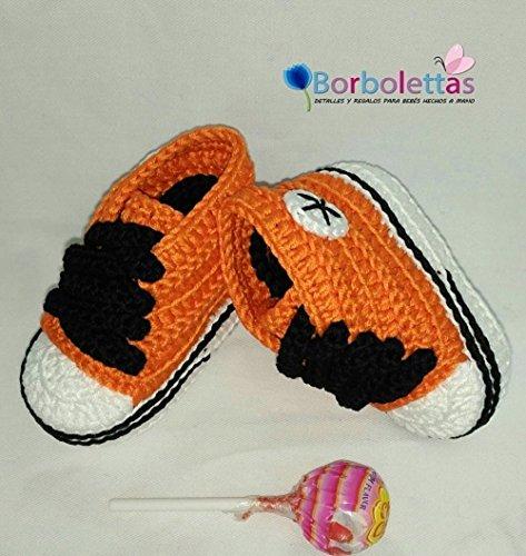 Patucos para Bebé Recién Nacido tipo Converse, 0-3 meses Naranja-Negro. Handmade. Crochet. España