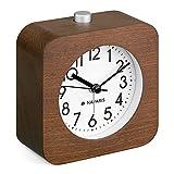 Navaris Reloj Despertador de Madera - Reloj clásico analógico y silencioso de sobremesa a Pila con luz led Alarma con repetición - Marrón y Blanco