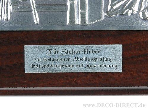 Gravur-Schild auf Holzplatte mit Reliefbild (nur Dienstleistung - ohne Artikel)