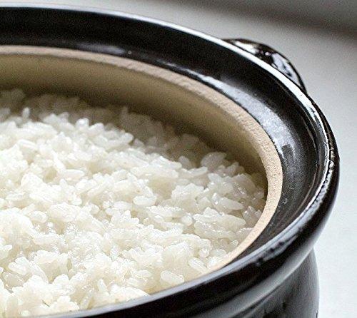 伊賀の陶土は、土鍋本体がしっかりと熱を蓄え、食材の芯までじっくりと火を通してくれるので、旨みを逃がさず、美味しいご飯が炊きあがります。