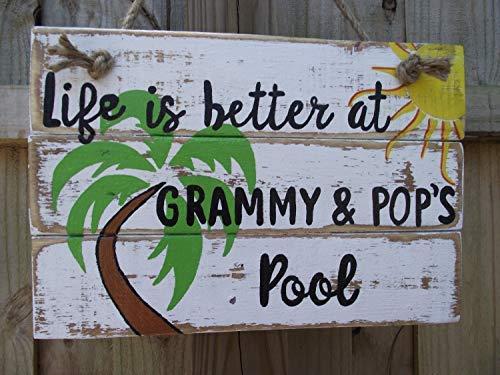 Cartel de madera personalizable para piscina familiar o piscina con texto en inglés 'Life is Better at Pool Pool Pool Pool Pool Decoración de pared