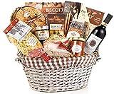 Piemont-Weihnachtskorb auf dem Tisch - Auswahl Geschenk Die besten typischen Produkte des Piemont - Code 111