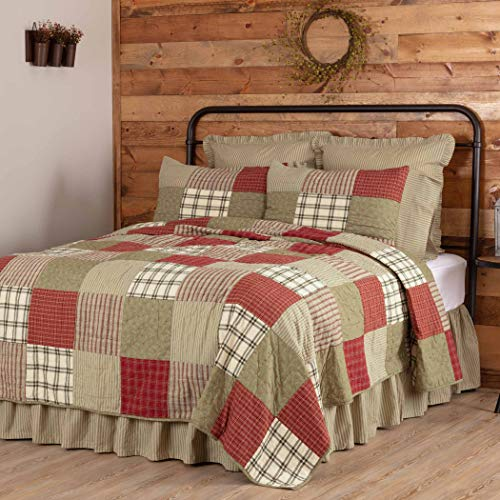 VHC Brands Farmhouse Prairie Winds Cotton Pre-Washed Patchwork Rectangle Twin Bedding Accessory, Quilt 70x90, Green
