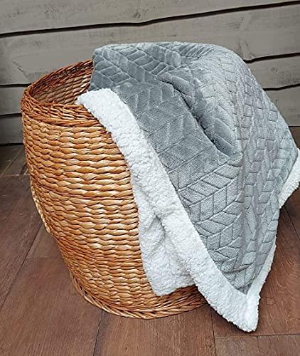 KoKoon- Plaid flanelle et sherpa (fourrure mouton) 160 x 120cm gris souris, couverture épaisse douce et confortable pour un intérieur chaleureux, jeté de canapé élégant pour une décoration tendance !