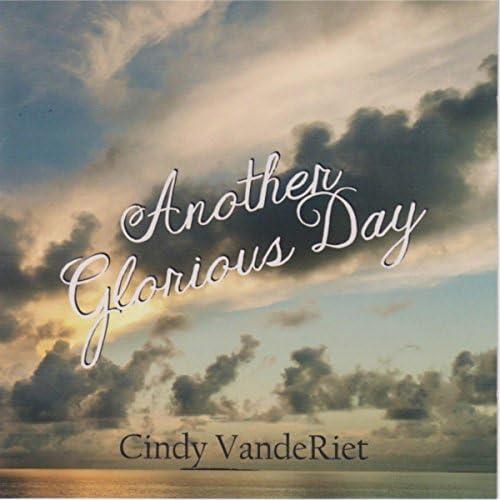 Cindy Vanderiet