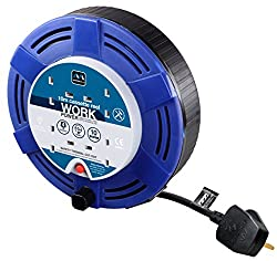 STURDY, LIGHT AND PORTABLE CASSETTE EXTENSION CABLE REEL: From Masterplug, has four sockets for convenient use around the home and office FOR JOBS AROUND THE HOUSE OR OFFICE: With 10 m of cable, the lightweight extension reel is perfect when you requ...