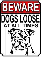 常に犬が緩んでいることに注意してください壁のブリキのサイン金属のポスターレトロなプラークの警告サインヴィンテージの鉄の絵画の装飾オフィスの寝室のリビングルームクラブのための面白いハンギングクラフト