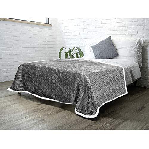 PAVILIA Sherpa Blanket Throw for Couch Sofa Bed | Grey, Super Soft, Plush Chevron Throw Fleece Blanket | Zig Zag Fuzzy Fluffy Decorative Blanket Microfiber, 60x80