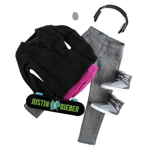 Justin BIEBER Fashion Pack -Black Hoodie/Skateboard Version - 2011 Release