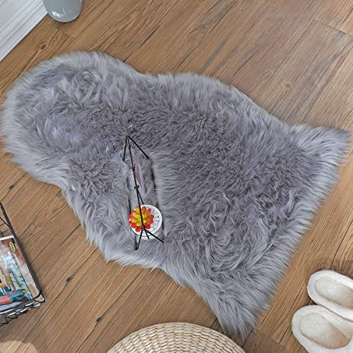 ZCZUOX Rutschfester Teppich, Faux Lammfell-Teppich Lang Kunstfell Schaffell Imitat Faux Bett-Vorleger Oder Matte für Stuhl Sofa for Wohnzimmer Schlafzimmer (Grau, 60x90cm)