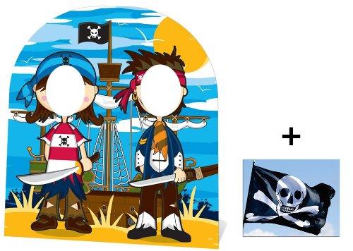 Kleine Piraten Kindergröße Pappfiguren stehen hinter / Pappaufsteller mit 25cm x 20cm foto
