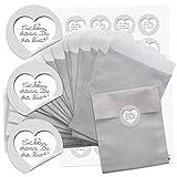 24 Stück kleine silber-farbene Papiertüten Geschenktüten Geschenk-Verpackung (13 x 18 cm) und 24 runde Aufkleber Sticker SCHÖN DASS DU DA BIST in weiß grau