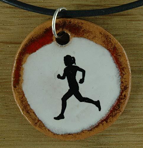 Echtes Kunsthandwerk: Schöner Keramik Anhänger mit einer Läuferin; laufen, joggen, Jogger, Sport, rennen, Sportverein, Sport