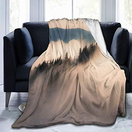 SURERUIM Soft Fleece Überwurfdecke,Nebelwald Tau Grasland Karpatengebirge Ukraine Naturholz,Home Hotel Bed Couch Sofa Überwurfdecken für Paare Kinder Erwachsene,150x200cm