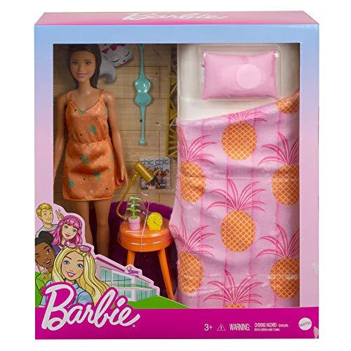 Barbie en casa Muñeca morena con set de juguete de habitación, con cama y accesorios (Mattel GRG86)