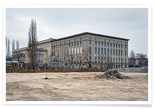 """Juniqe® Sehenswürdigkeiten & Wahrzeichen Berlin Poster 20x30cm - Design """"Berghain"""" entworfen von Michael Belhadi"""