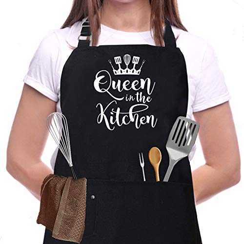 Skull Chef Queen in the Kitchen Apron, Funny Black BBQ Chef Aprons for Women with 3 Pockets, Cute Gardening Grill Kitchen Cooking Apron, Unique Birthday/christmas/thanksgiving BBQ & Grilling Gifts