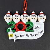onepicebest Corona Ornamento 2020 Pandemic Cuarentena Personalizada Familia Decoración Mascarilla de Navidad Decoración, desinfectante, papel higiénico con nombres personalizados 5