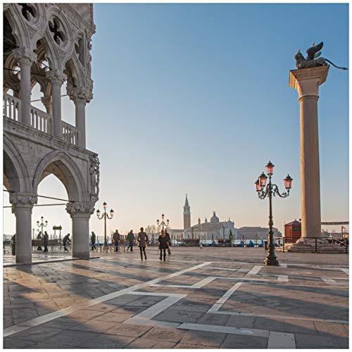 Wallario Acrylglasbild Venedig - Dogenpalast, Markusplatz und die Kirche San Giorgio Maggiore I - 50 x 50 cm in Premium-Qualität: Brillante Farben, freischwebende Optik