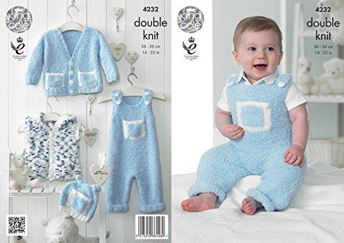 Koning Cole Knuffels DK Dubbele Breien Patroon Baby Kleding Set - Dungarees Cardigan Gilet Hoed (4232)