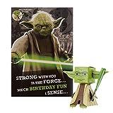 Tarjeta de cumpleaños general de Hallmark – Diseño de Star Wars 'Build Your Own' Yoda