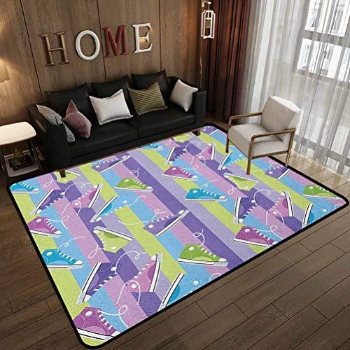 Tapete de piso con patrón personalizado, zapatillas de diferentes colores sobre fondo de rayas verticales, moda de calzado juvenil, alfombra en habitación de los niños, 180 x 210 cm