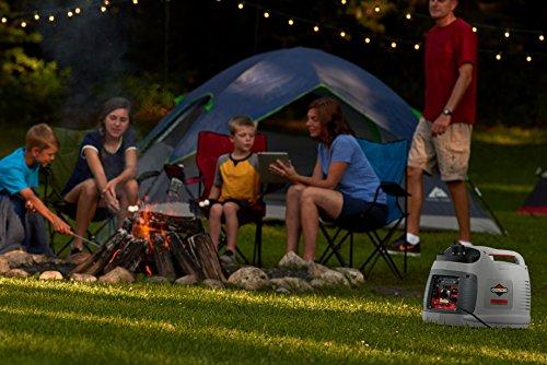 Groupe électrogène à onduleur portable à essence PowerSmart Series P2200 de Briggs & Stratton, alimentation propre 2200 watts/1 700 watts, ultra silencieux et léger