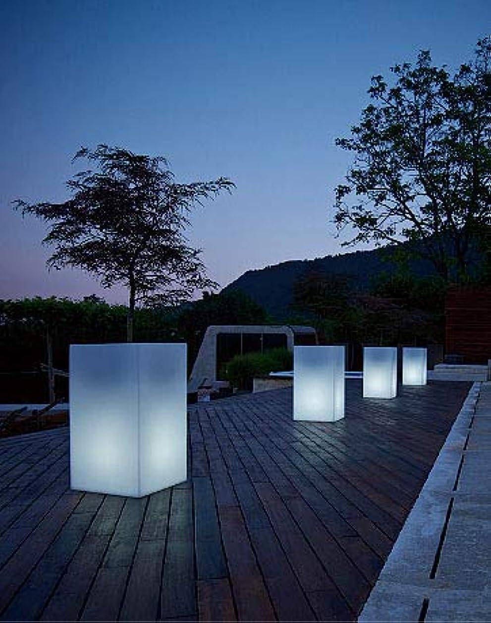 探検誰が死んでいる光るプランター キューブハイ ライト付き (高さ70cm 幅40cm) ユーロ?スリープラスト ER-2612L 【屋外仕様】 昼光色 照明 Euro 3 Plast Cube High Light イルミネーション イタリア製 MADE IN ITALY