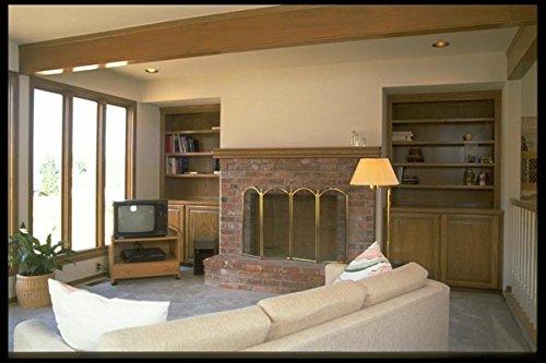 031067 TV kamer met bakstenen open haard boekenplanken A4 Photo Poster Print 10x8