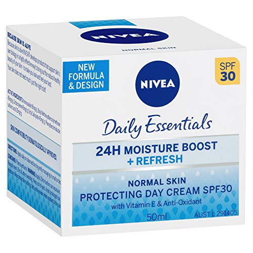 NIVEA Daily Essentials 24 Hour Moisture Boost, Refreshing & Protecting Day Cream SPF 30 with Vitamin E & Anti-Oxidants for all skin types, 50ml
