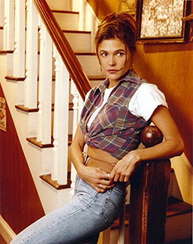 Celebrity Photos Paige Turco Posed in Blue Jeans Photo Print (60,96 x 76,20 cm)
