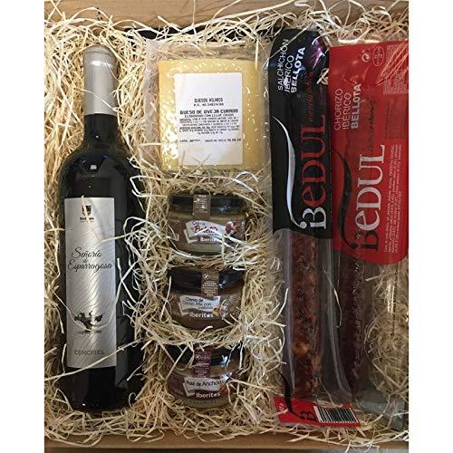 Económica cesta de Navidad para regalo con vino y productos