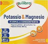 Equilibra Integratori Alimentari, Potassio e Magnesio, Integratore Magnesio e Potassio Formula Concentrata per Reintegro Sali Minerali, con Succo di Arancia Disidratato, Senza Glutine, 20 Bustine