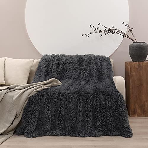 Manta Pelo, 160 x 200 cm Manta de Doble Cara Súper Cálida y Cómoda, Suave y Esponjoso, Antiarrugas y de Fácil Cuidado, Mantas para Sofa o Salón (Gris Oscuro)
