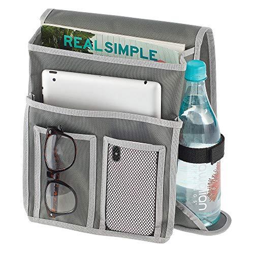 mDesign Bolsa para Colgar de la Cama – Organizador de Tela con 4 Compartimentos y Soporte para Botellas – Organizador con Bolsillos de poliéster para Libros, revistas, móvil, Botella, etc. – Gris