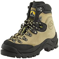 A Classic leather mountaineering boot A Full Steel Shank Boot that will accept an automatic crampon and can kick steps in snow Skywalk aggresively-lugged sole provides outstanding traction in a variety of conditions & surfaces The Protective Vibram R...
