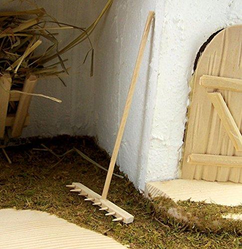 Miniatur Rechen aus Holz, größe 12 cm. Zubehör für die Weihnachtskrippe.