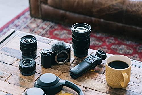 Sony Alpha ZV-E10 | APS-C spiegellose Wechselobjektiv-Vlog-Kamera (schwenkbarer Bildschirm für Vlogging, 4K-Video, Echtzeit-Augen-Autofokus), Schwarz
