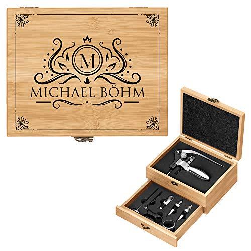Murrano Weinöffner-Set personalisiert Weinset Sommelier Set - Geschenkbox Holzbox + 8er Weinzubehörset - aus Bambus - Braun - Geschenk zum Geburtstag für Männer - Monogramm