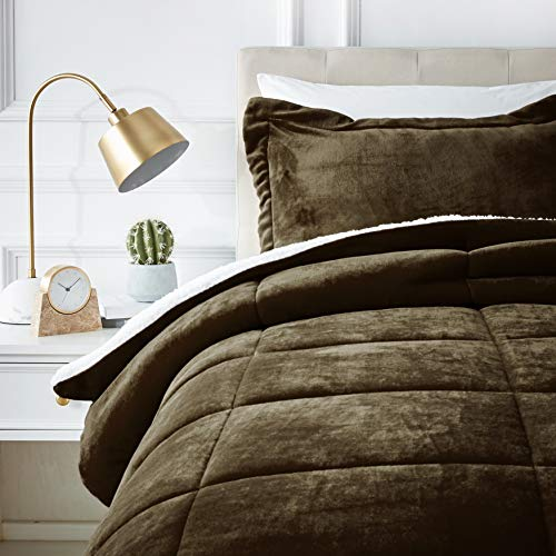 AmazonBasics Ultra-Soft Micromink Sherpa Comforter Bed Set, Twin, Chocolate - 2-Piece