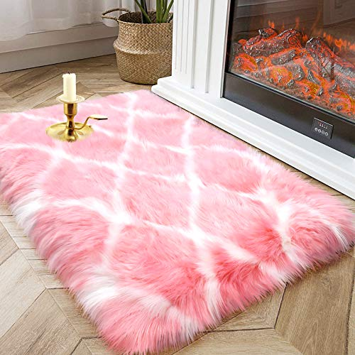 Fluffy Faux Fur Rug as Christmas Decorations for Living Room Bedroom, Floor Shaggy Area Rugs as Sofa Couch Cover for Living Room, Aesthetic Home Bedroom Christmas Decor of Fuzzy Shag Area Rug