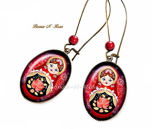 Boucles d'oreilles Matriochka motif traditionnel russe rouge noir cabochons poupées russes verre