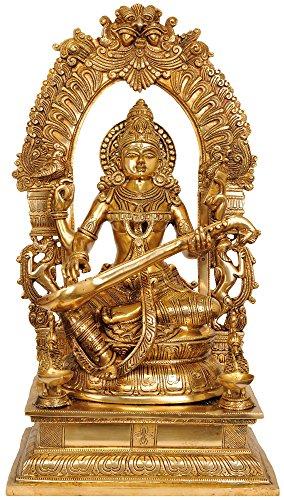 Exotic India Göttin Saraswati Vina mit blumigen Aureole Spielen–Messing Statue