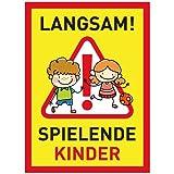 XXL Achtung Kinder Schild (32x44 cm Kunststoff) - Warnschild spielende Kinder - Vorsicht Hier Spielen Kinder - Bitte langsam Fahren