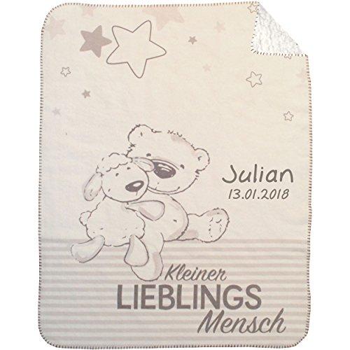 Wolimbo DUO SUPERFLAUSCH Lammfell Optik Kinderdecke mit Ihrem Wunsch-Namen Motiv kleiner Lieblingsmensch 75x100cm