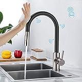 Synlyn Grifo de cocina con sensor táctil, con ducha extraíble, 2 tipos de chorro, acero inoxidable, monomando, con función giratoria 360°, color negro
