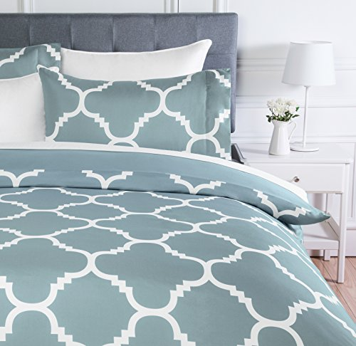 AmazonBasics Microfiber Duvet Cover Set, Light weight – 200 x 200 cm, Double - Dusty Blue Trellis